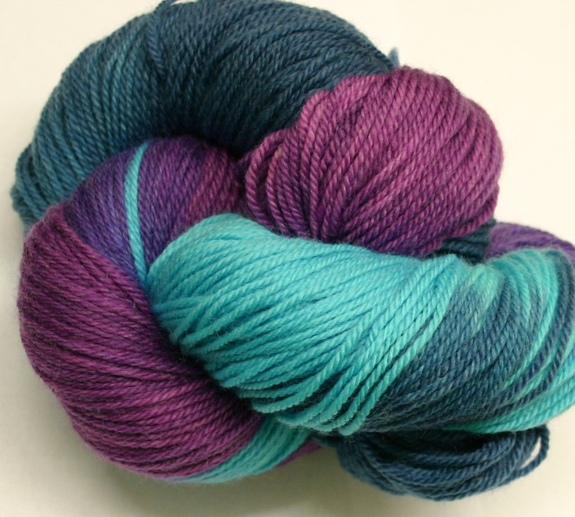 Ivy Brambles Enrapture Light Yarn - 208 Blue Orchid