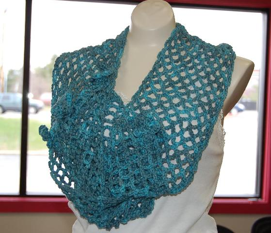 Ivy Brambles Lattice and Flowers Crochet Scarf Pattern