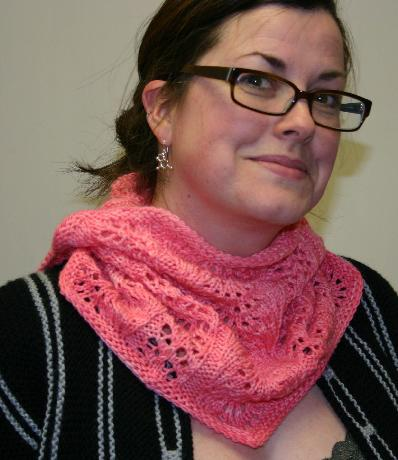 Easy Lace Cowl Knitting Pattern : Ivy Brambles My Valentine Lacy Neck Cowl Pattern