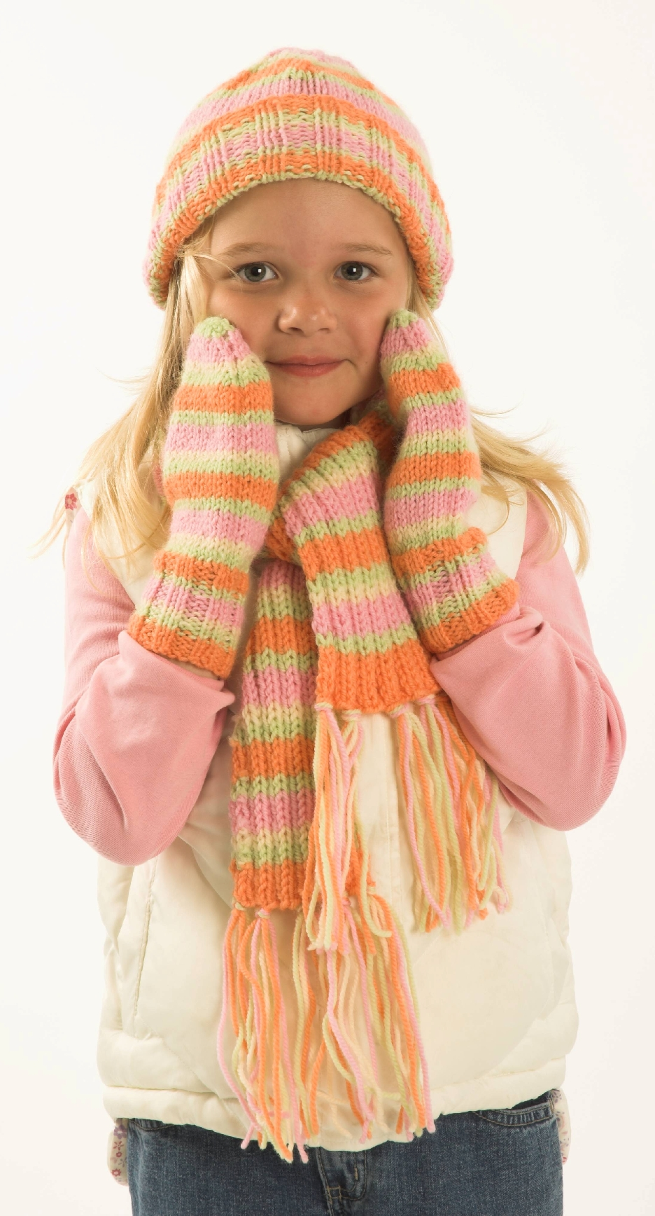 Child Hat Scarf and Mitts Pattern #F170
