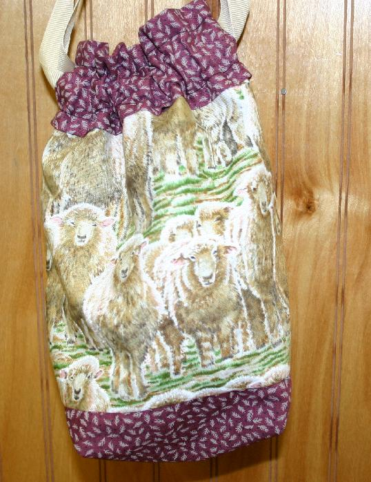 Cheeky Sock Bag - 115 Sheep (Berry)